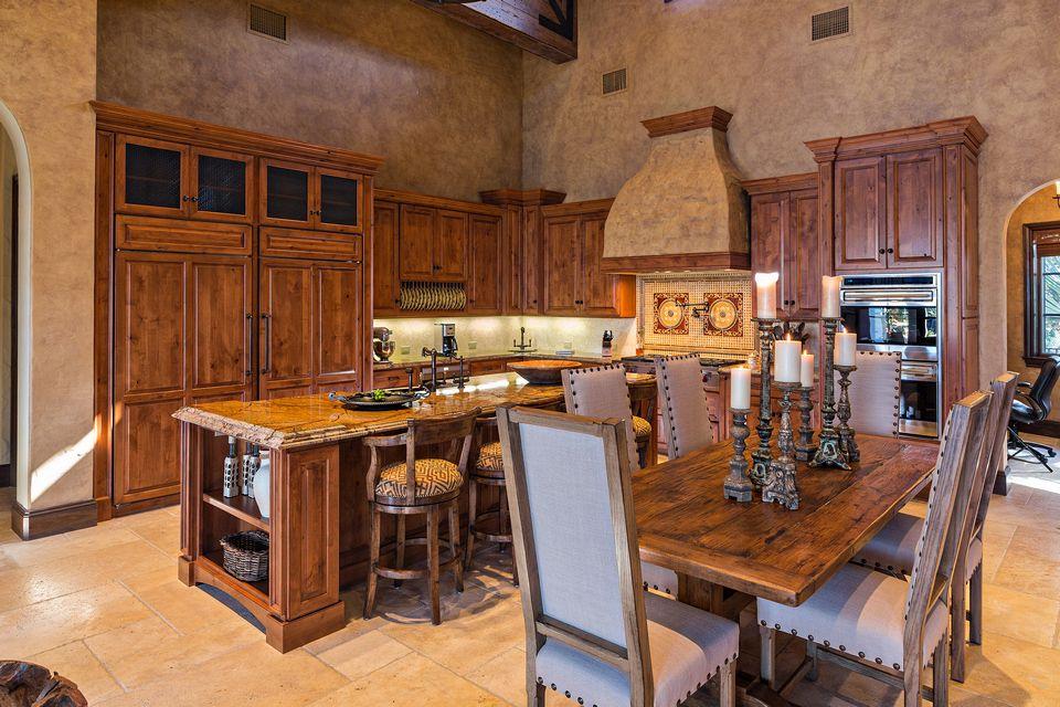 Hobgood Construction Tuscan Farmhouse - 011